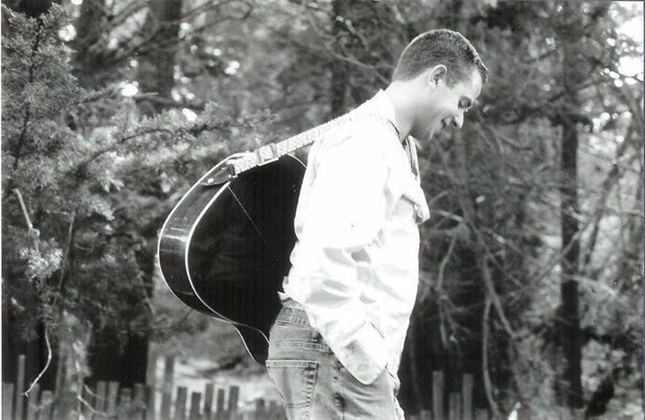 Surf Market Music Series Presents Elijah Carreiro