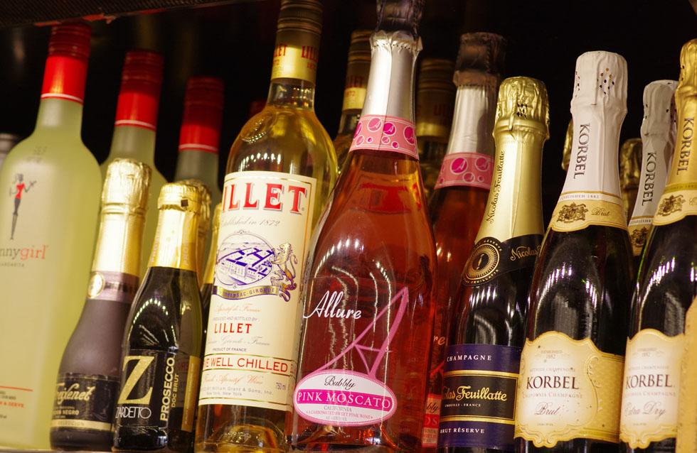 8-Surf Sparkling Wine closeupVTour-1